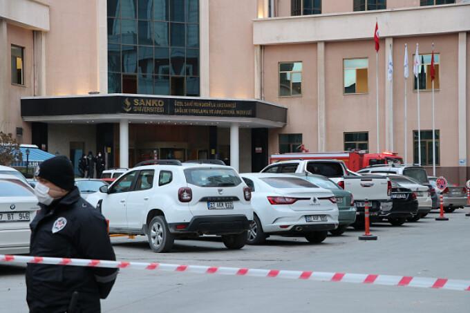 Incendiu la secția de Terapie Intensivă Covid-19 a unui spital din Turcia. Opt persoane au murit - 7