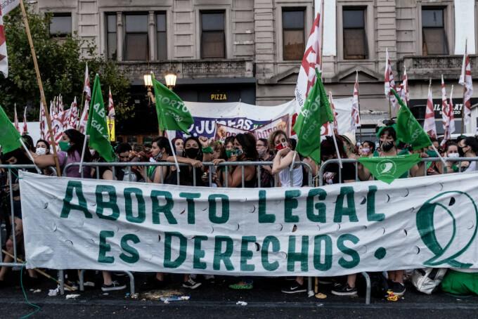 Manifestatii pentru legalizarea avortului în Argentina