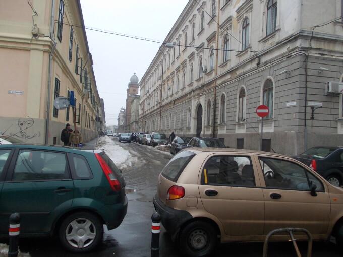 masini parcate iarna