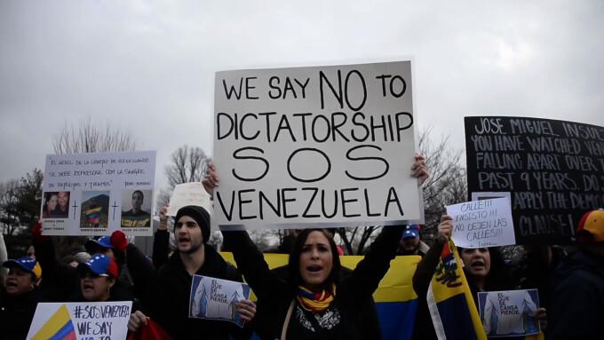 Manifestatie de sustinere a protestatarilor din venezuela, in Washington, DC.
