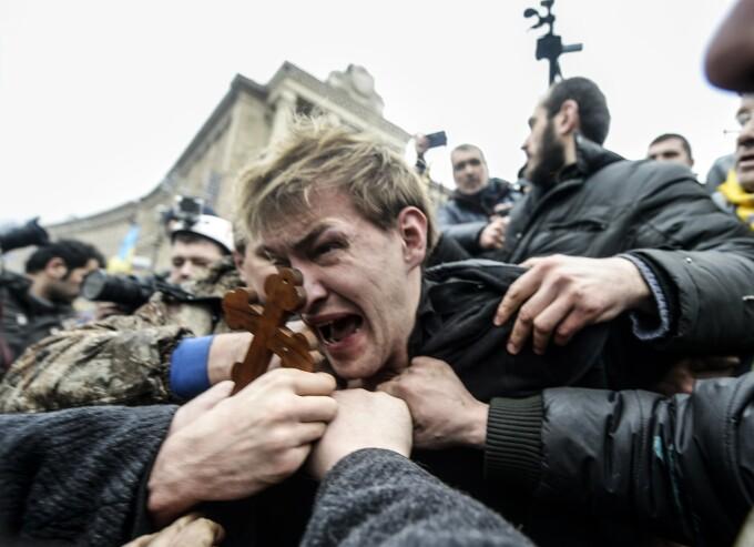 Lunetist, capturat de protestatarii din piata Euromaidan