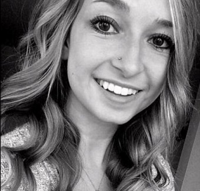 O studentă a fost ucisă în bătaie de fostul iubit. Vecinii au sunat de șapte ori la poliție