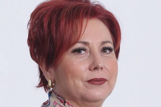 Deputatul PSD Carmen Holban Aleasa Pe Listele Din Judetul Dambovita A Postat Facebook O Poezie Inspirata Protestele De Strada