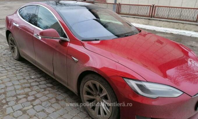 Autoturism Tesla confiscat de Poliția de Frontieră Iași - 3