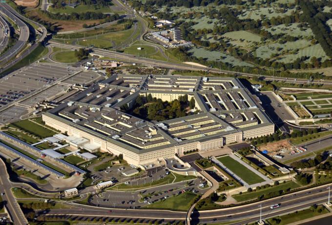 Pentagonul i-a concediat pe aliaţii lui Trump și a suspendat zeci de comisii consultative
