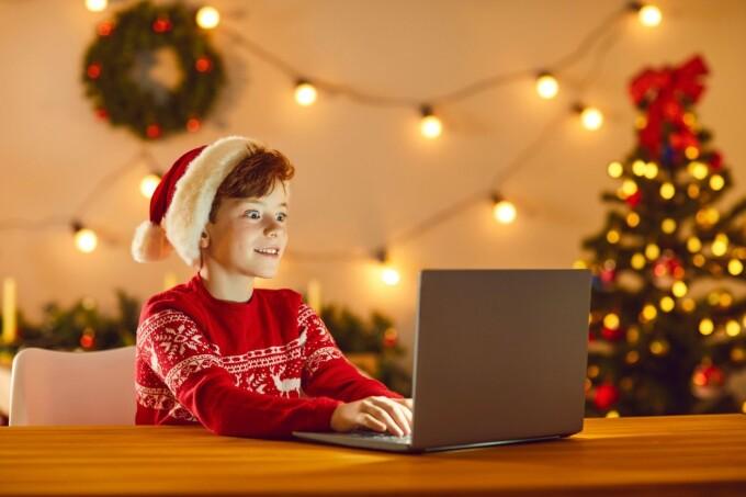 YouTube şi TikTok, preferatele copiilor în timpul sărbătorilor de iarnă. Donald Trump, în topul căutărilor