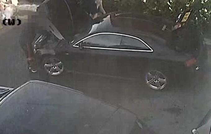 Trei români au încercat să păcălească un englez la cumpărarea unei mașini. Ce i-au făcut cu o sticlă de suc
