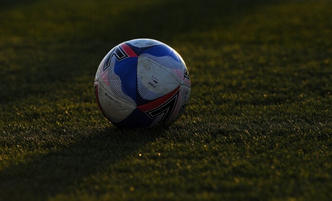 VIDEO. Moment uluitor în fotbal. Un copil de mingi a împiedicat marcarea unui gol