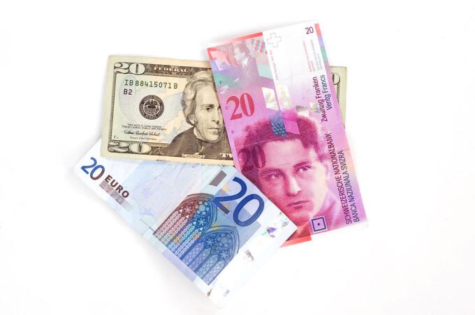 dolar, euro, franc