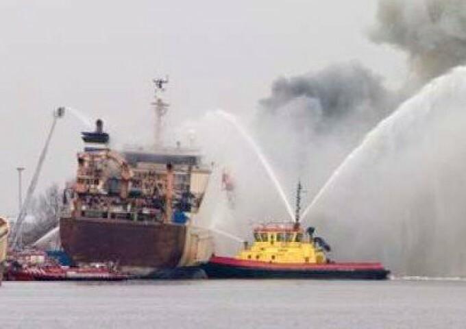 incendiu Indonezia