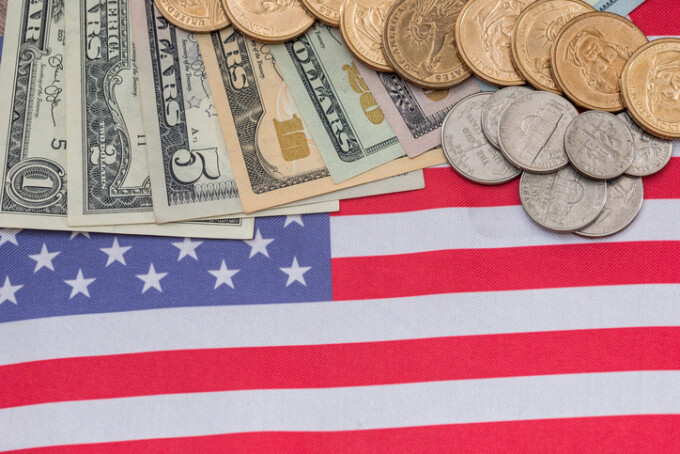 1 bitcoin în dolarul american)