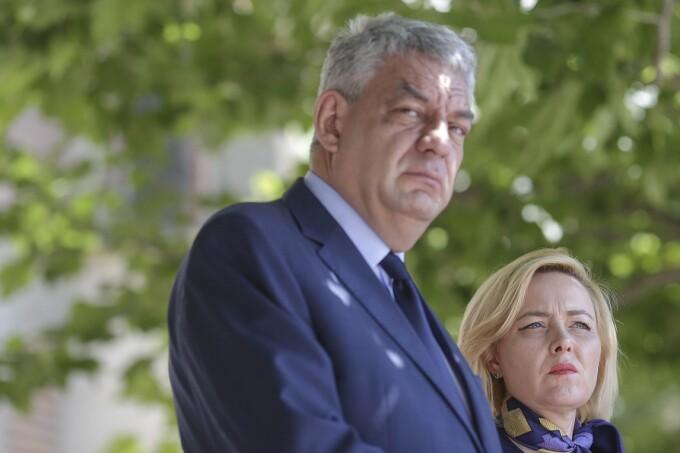 Premierul Mihai Tudose si ministrul afacerilor interne, Carmen Dan