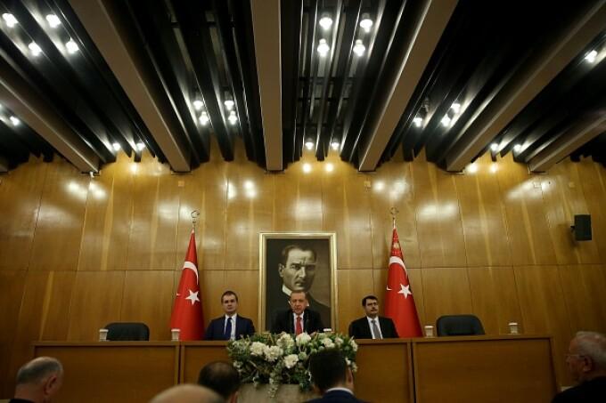 Erdogan și Omer Celik