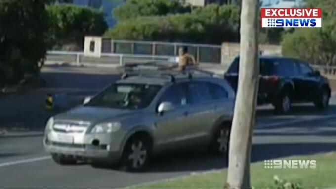 copil pe mașină