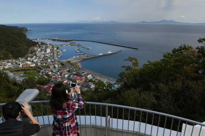 japonezi care se uita la insulele Kurile