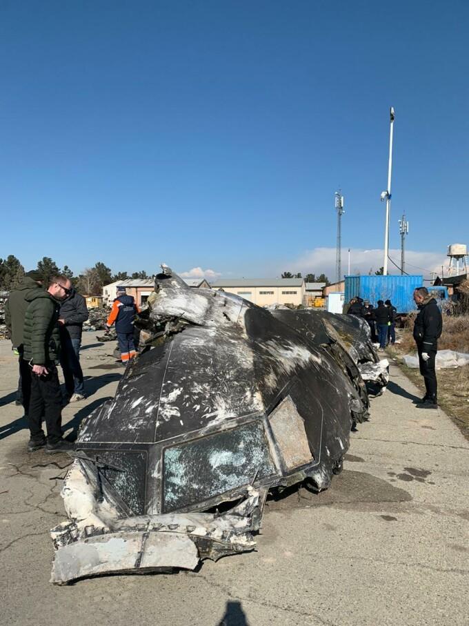 Imagini de la locul prăbuşirii avionului ucrainean în Iran, publicate de anchetatori - 5