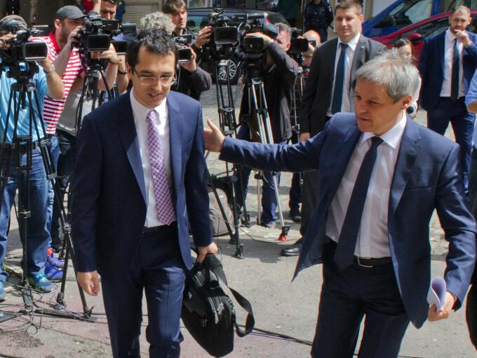 Vlad Voiculescu, Dacian Cioloș