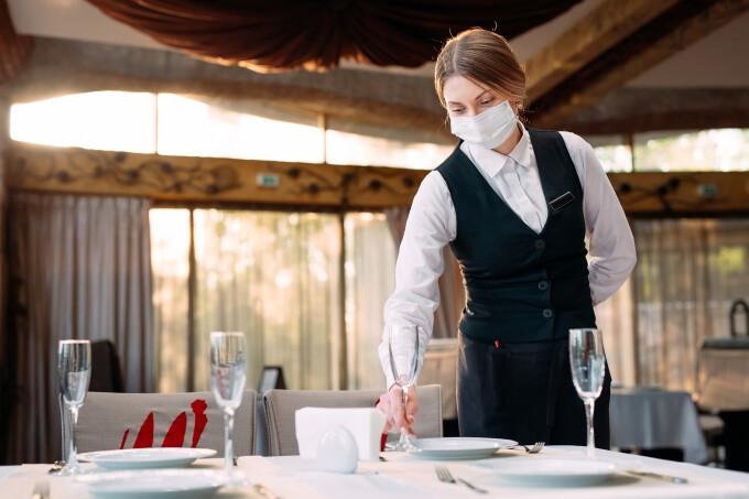 """Mesajul tulburător primit de o chelneriță din SUA pe nota de plată. """"Mi-am pierdut credința în umanitate"""" a spus ea"""