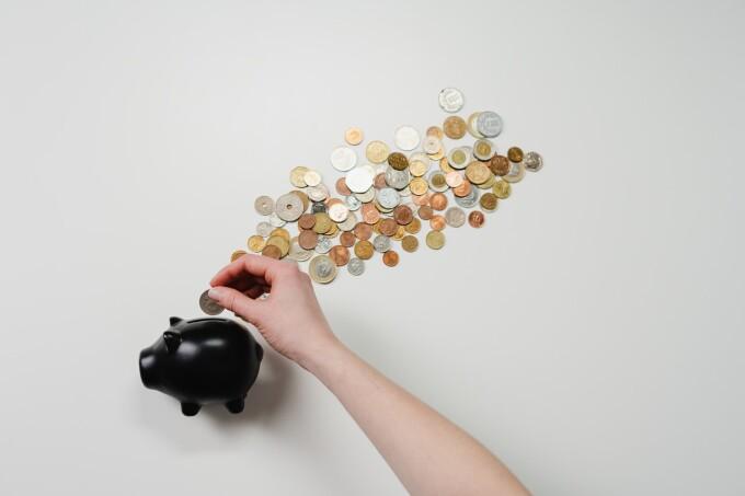 (P) Sfaturi utile celor care nu se pot opri din cheltuit