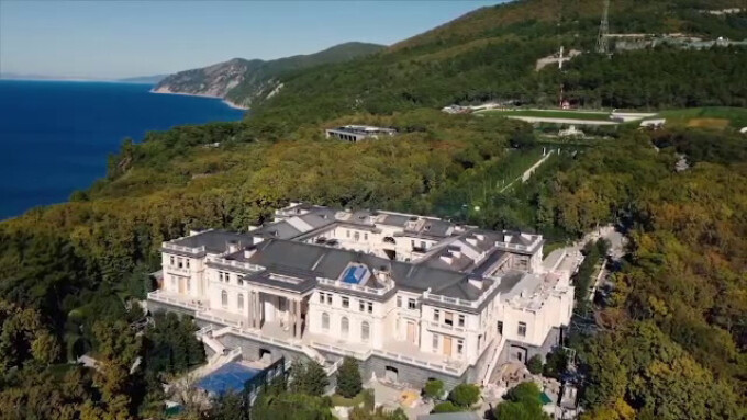 """Cum arată """"Palatul lui Putin"""". Proprietatea de pe Malul Mării Negre de 39 de ori mai mare decât Monaco - 5"""