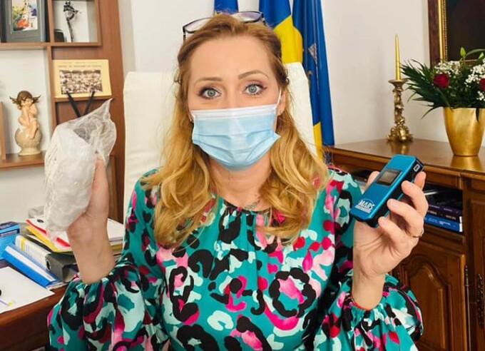 Elena Lasconi a introdus proba etilotestului la Primăria Câmpulung. Ce alcoolemie a descoperit