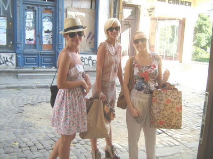 Laura Cosoi, Adela Popescu si Dana Rogoz