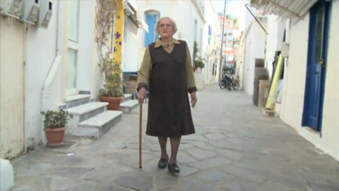 batrana in insula Ikaria