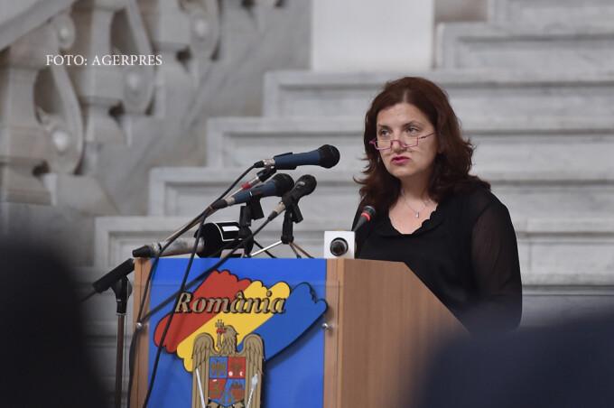 Raluca Pruna, ministrul Justitiei, rosteste un discurs in cadrul evenimentului