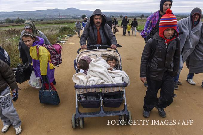 refugiati la granita intre Serbia si Macedonia
