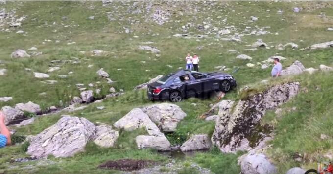 BMW scos din Transfagarasan