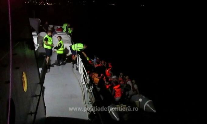 Salvati din Marea Egee