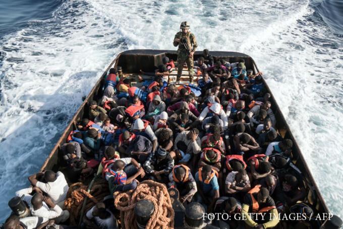 migranti din Libia preluati de paza de coasta