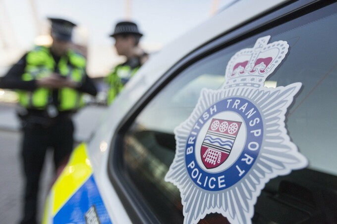 politisti britanici in Birmingham