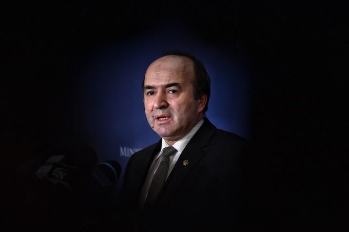Ministrul Justitiei, Tudorel Toader, sustine o conferinta de presa la sediul ministerului.