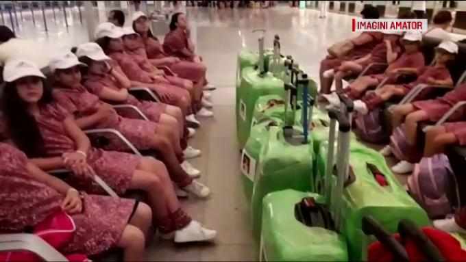 18 copii români, blocaţi pe aeroportul din Barcelona