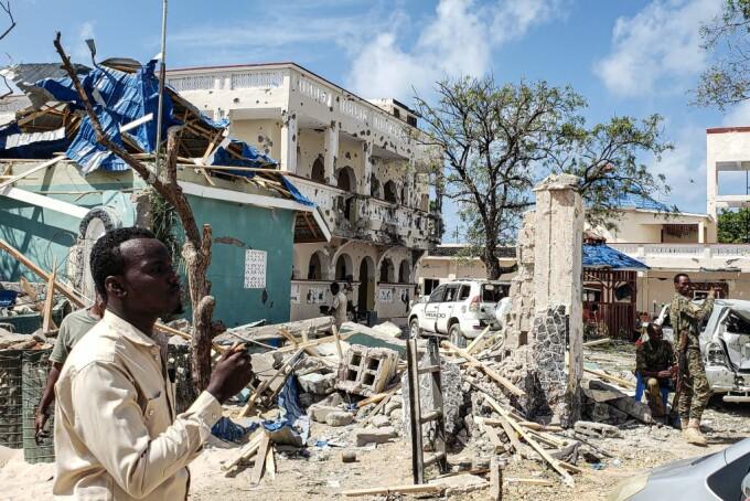 Masacru comis de jihadişti într-un hotel din Somalia