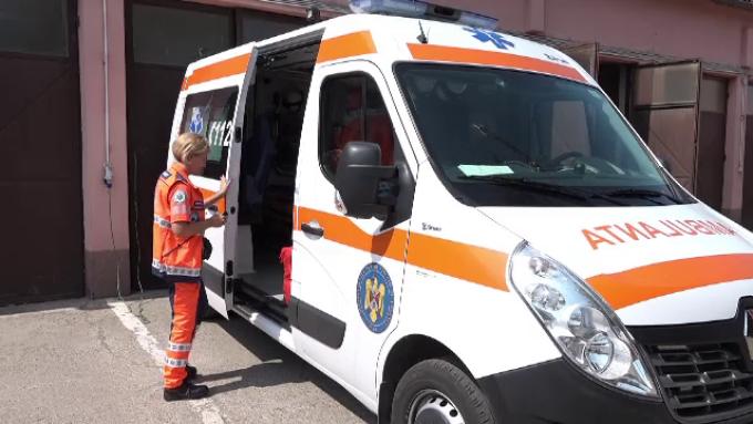 55 la sută dintre românii care sună la 112 nu anunţă o urgenţă