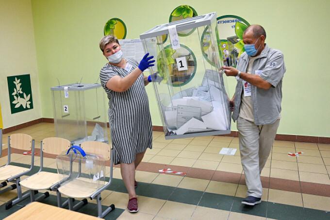 Acuzații grave în Rusia. Referendumul prin care Putin vrea să rămână la putere până în 2036, fraudat