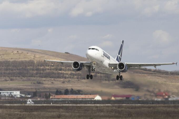 Tarom operează, din 24 iulie, zboruri directe Iaşi-Constanţa şi retur. Cât durează un drum