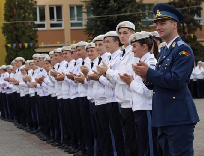 Rezultate repartizare licee 2020. 63 de fete au fost admite la Colegiul Militar din Alba Iulia
