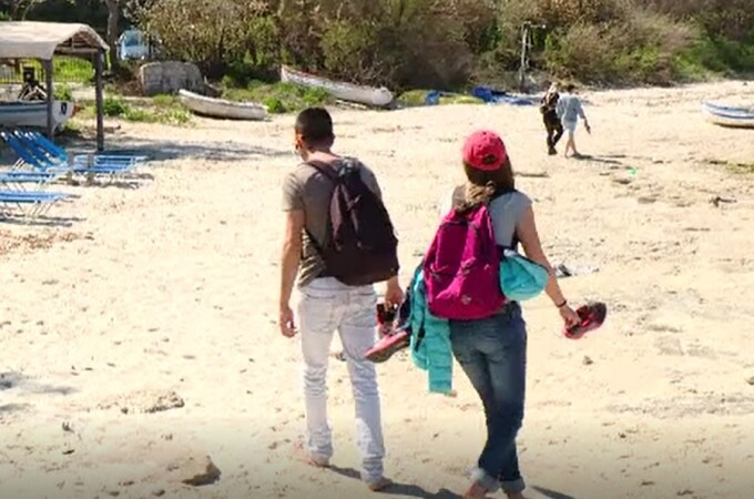 Vacanță de coșmar pentru zeci d români în Grecia, după ce un turist a fost anunțat că are Covid