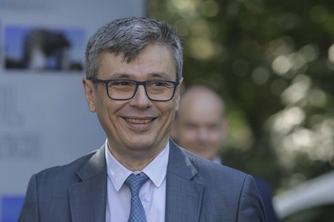 Cu cât plătește mai puțin la gaze ministrul Economiei după ce și-a schimbat furnizorul