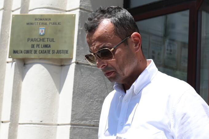 Fostul procuror Mircea Negulescu, reţinut de procurorii Secţiei pentru Investigarea Infracţiunilor din Justiţie