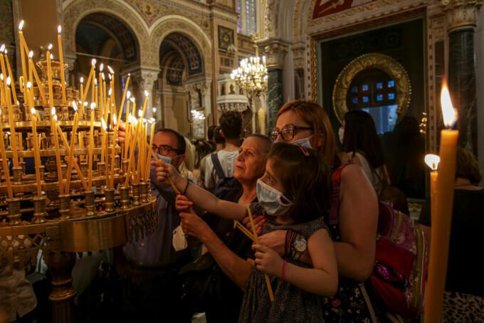 Țara care impune obligativitatea purtării măștii de protecție în toate spațiile închise, cu excepția bisericilor