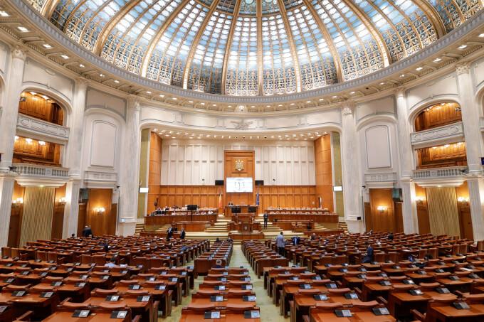 Barometru Europa FM pentru parlamentare: PNL depășește PSD cu 10%. Ce partide s-au prăbușit sub pragul electoral