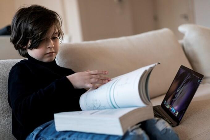 Povestea lui Laurent Simons, copilul geniu de 11 ani din Belgia care vrea să obţină nemurirea