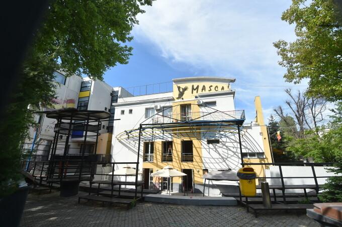 """Zece teatre din București participă la o stagiune în aer liber la Teatrul Masca, """"Departe de centru, aproape de oameni"""""""