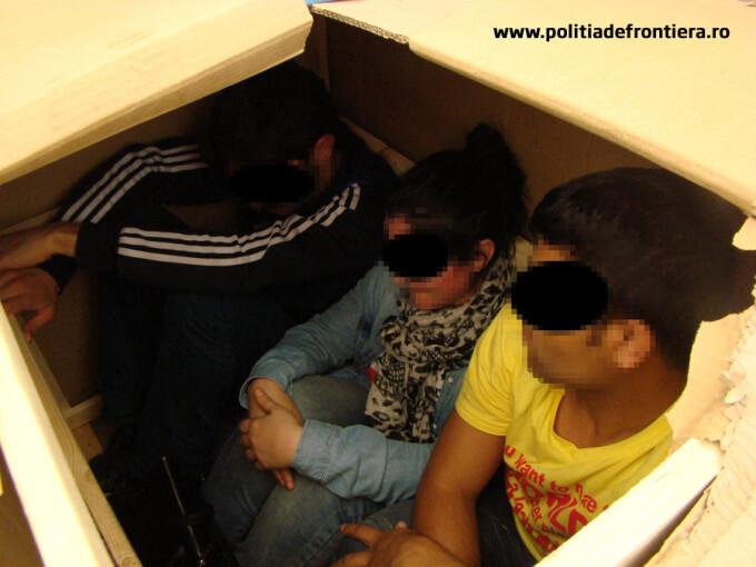 emigranti ascunsi in cutie prinsi la Nadlac