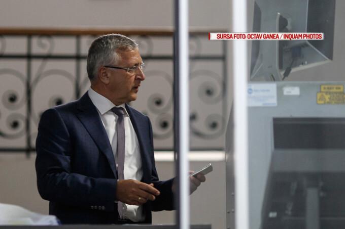 Gelu Diaconu, seful ANAF, se prezinta la sediul DNA