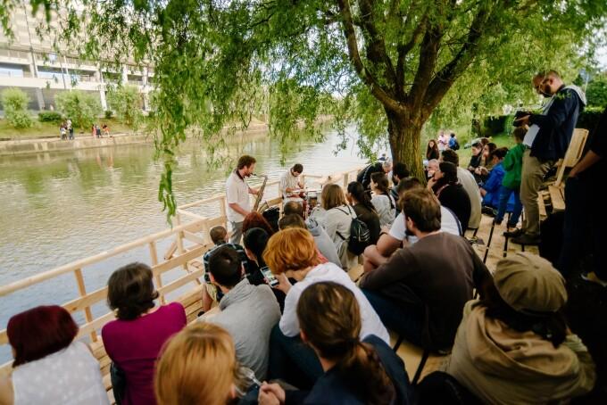 Somesul prinde viata in weekend: barci, hidrobiciclete si o insula plutitoare